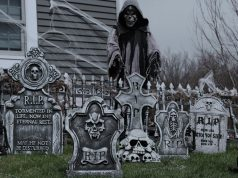 Top-10-Best-Outdoor-Halloween-Decorations-in-2019-–-Reviews